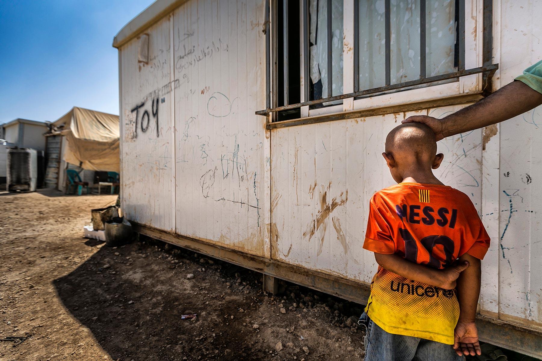 max-ferrero-agosto-2014-giordania-campo-profughi-di-zaatari-min