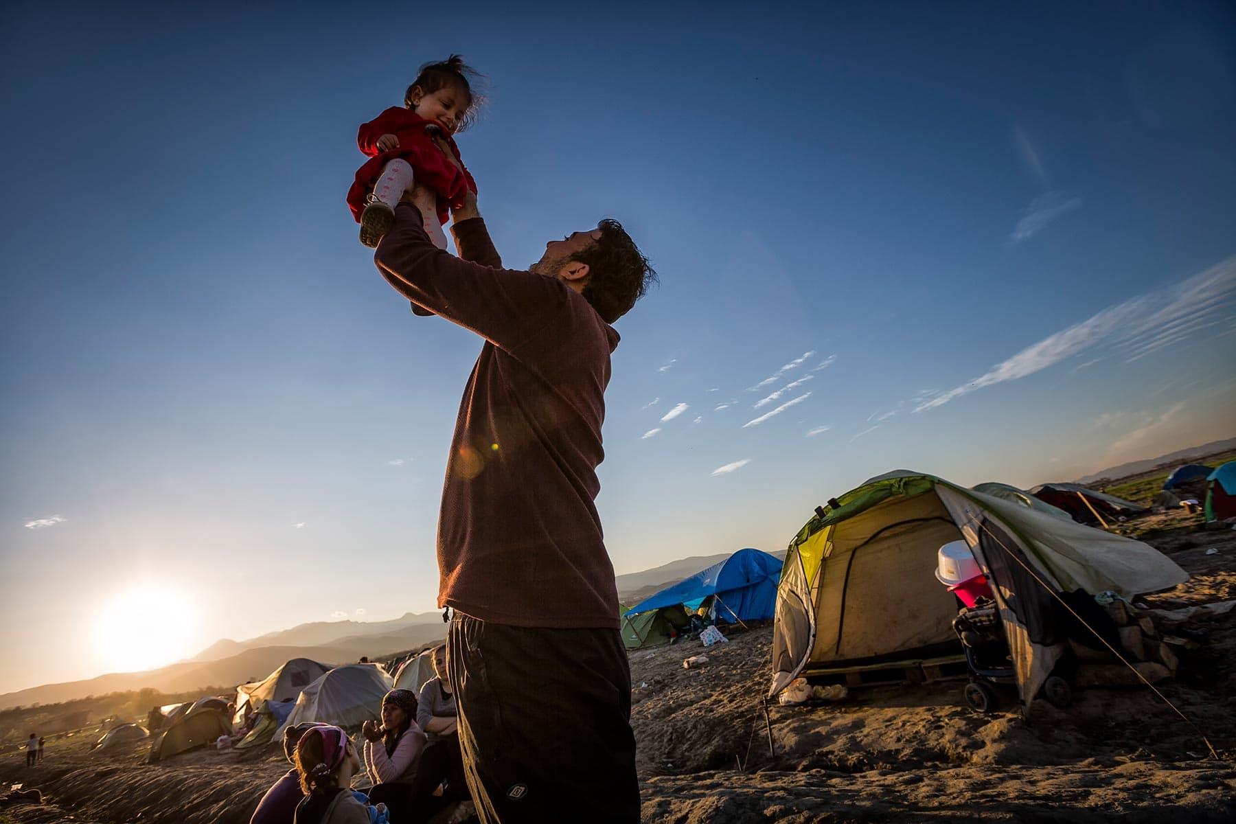 max-ferrero-marzo-2016-grecia-campo-profughi-non-autorizzato-di-idomeni-min